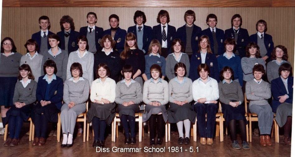 Photo: Diss Grammar School 1981 - Form 5.1 DGS Assembly Hall (Thanks - Mark Robinson)