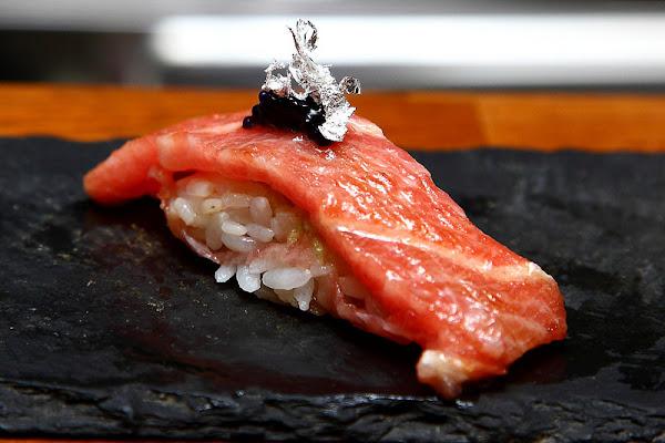 頂級無菜單握壽司,超高CP值!稀有食材輪番上陣!一次滿足你對握壽司的所有慾望~南木町日式割烹