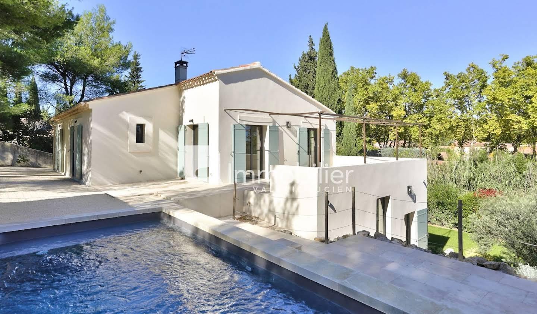 Maison avec piscine et terrasse Paradou
