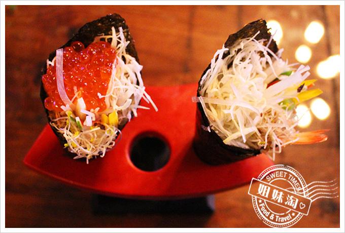虎 鮮食 鮭魚卵手卷80元+蘆筍蝦手卷60元