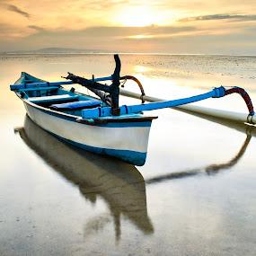 by KooKoo BreSyanatha - Transportation Boats