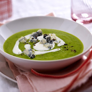 Quick Zucchini Soup with Gorgonzola