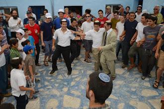 Photo: משפחת עבו בריקודים עם בחורים מישיבת נווה שמואל