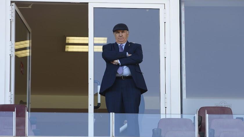 El presidente del Almería tiene su tesoro en la plantilla.