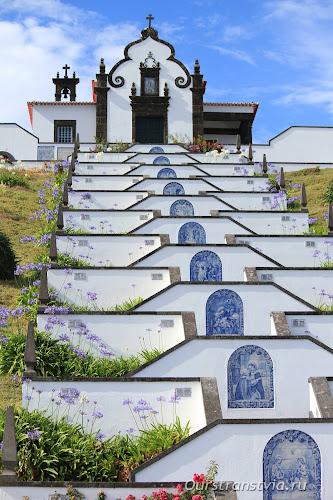 Лестница к Часовни Матери Мира, Вила-Франка-ду-Кампу