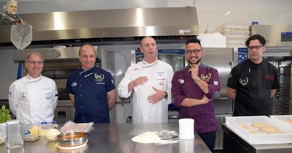2018-04-23 Scuola Maestri Pizzaioli Prof. al P.Piazza di Palermo