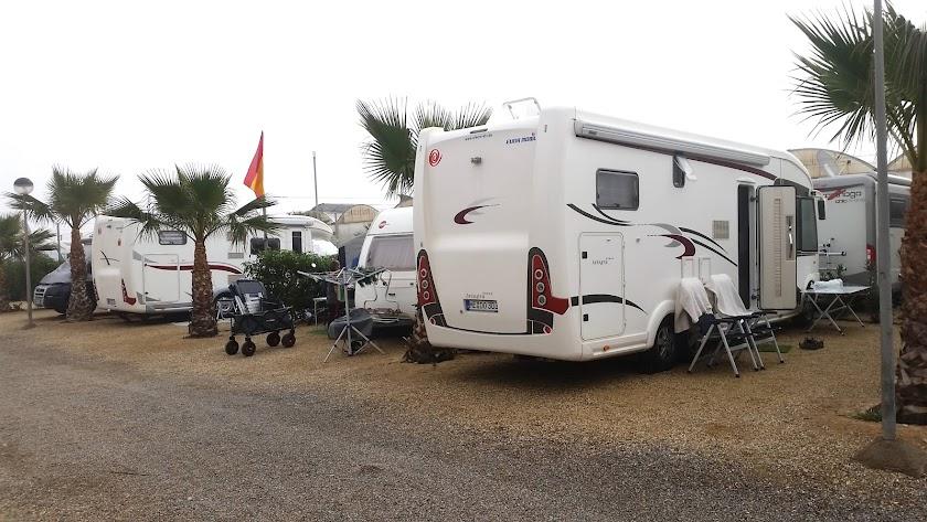 Caravanas y autocaravanas en el camping de Balerma durante uno de los días de este periodo navideño.