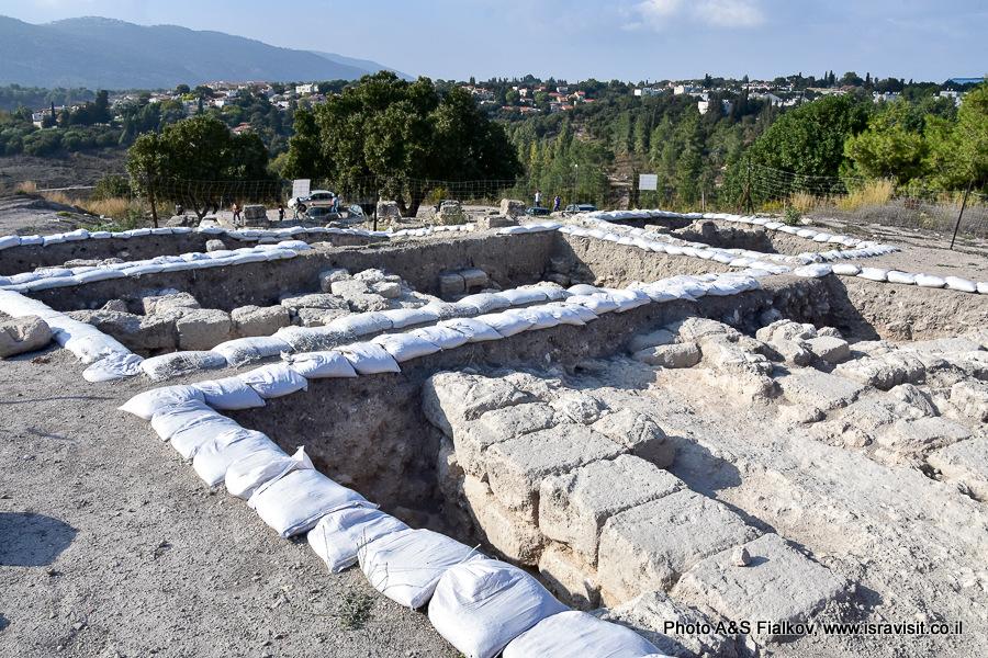 Археологические раскопки на холме в национальном парке Бейт Шеарим. Экскурсия гида по Израилю Светланы Фиалковой.