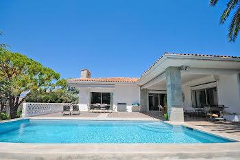 villa à Antibes (06)