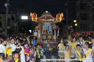 Photo: 【平成23年(2011) 宵宮】  たくさんの氏子の子供たちによって曳かれる山車。
