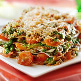 Lasagne Bolognese Met Spinazie En Tomaat