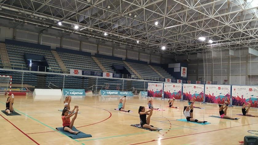 Las gimnastas de la EDM Costarítmica vuelven a coger ritmo.