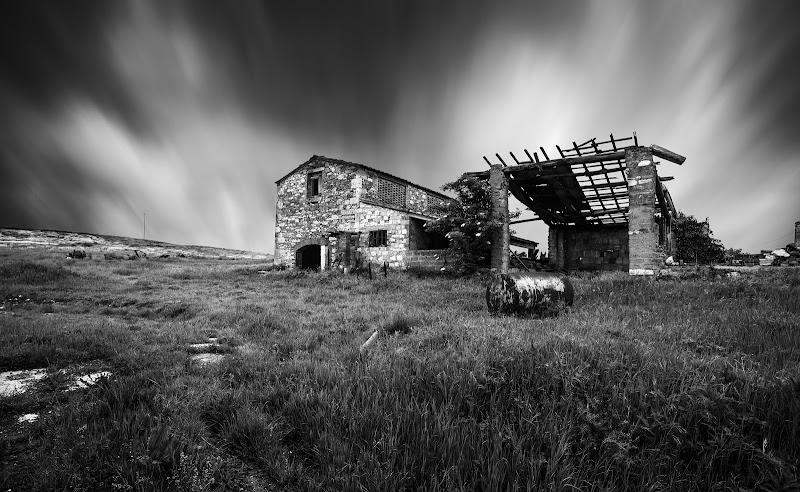 Il vecchio casolare abbandonato ( Val D'Orcia) di ____Arrivo