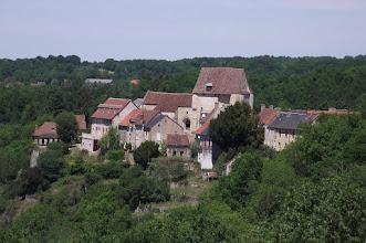Photo: Le bourg et son église