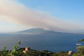 Photo: Vesuvio in fiamme