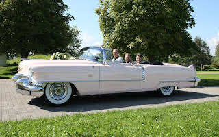 Cadillac Pink Convertible Rent Glarus