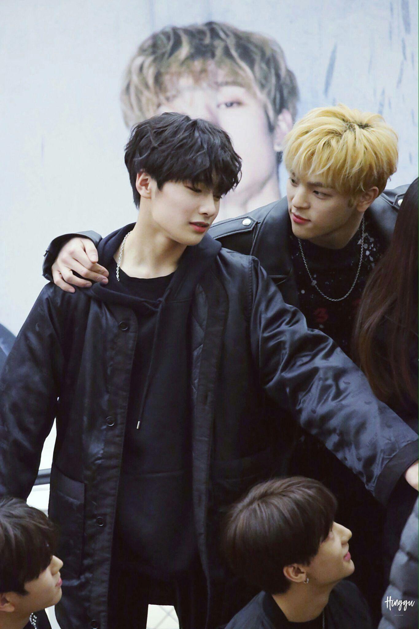 Stray Kids I.N and Woojin
