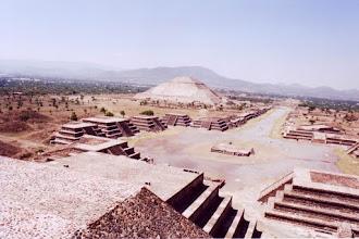Photo: #007-Teotihuacan - La pyramide du soleil. Hauteur: 63m