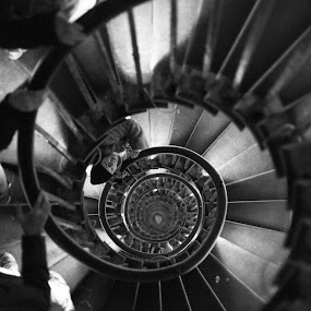 The monument's stairs by Dimitri Foucault - Buildings & Architecture Architectural Detail ( stairs, london, pwcdetails, monument, circle )