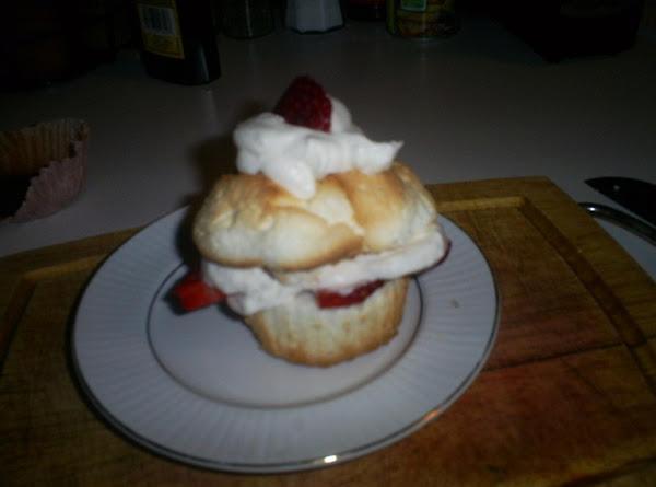 Strawberries N Cream Cupcakes Recipe