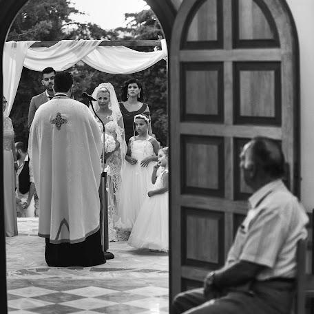 Wedding photographer Manthos Tsakiridis (tsakiridis). Photo of 09.08.2017