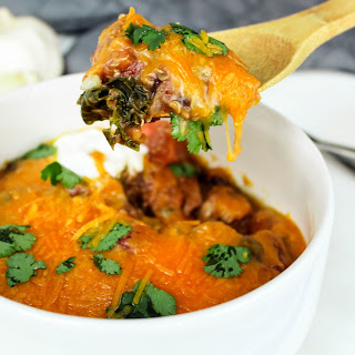 Slow Cooker Quinoa, Kale, and Sweet Potato Chilli Chicken.