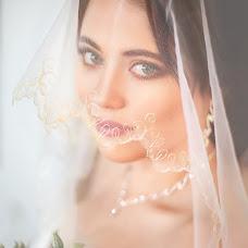 Wedding photographer Olga Bogatyreva (Olyoli). Photo of 10.02.2017