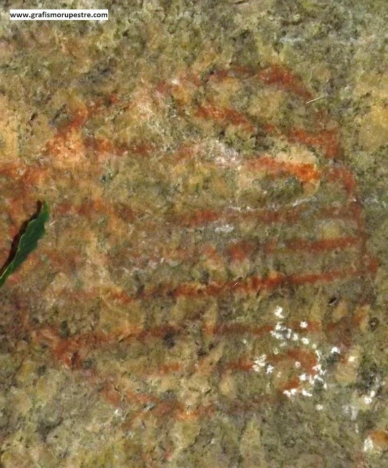 Figura 3: Detalhe de outra parte dos desenhos geométricos no Abrigo da Pedra do Índio – Extrema – Minas Gerais. Foto: Jean Marie Polli, 2012. A foto foi modificada para melhorar o contraste.
