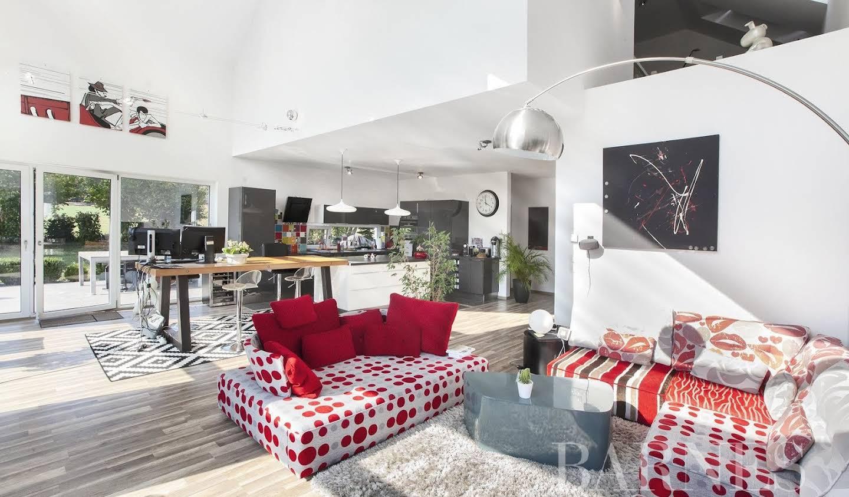Villa avec jardin et terrasse Sergy