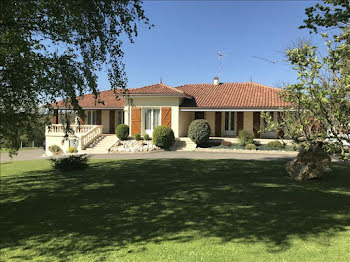 maison à Mazerolles (16)