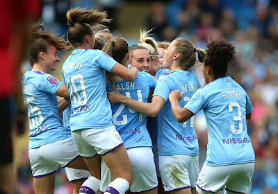 Vier speelsters Manchester City testen positief, match op de helling