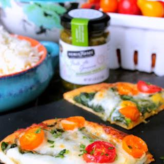 Spinach and Tomato Pesto Flatbread Pizza Recipe