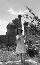 Photo: Я у Регистрана. Самарканд. Май 1976 года.