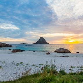 Sunset beach by Benny Høynes - Landscapes Sunsets & Sunrises ( seascape, beach, sunset, weather, sun, landscape, sea,  )