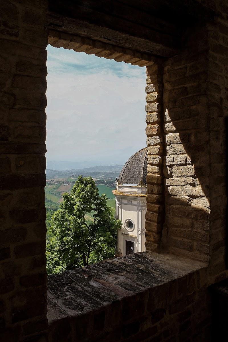 Window di Dino Polidori
