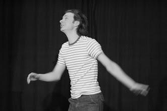 Photo: danse avec l'oiseau