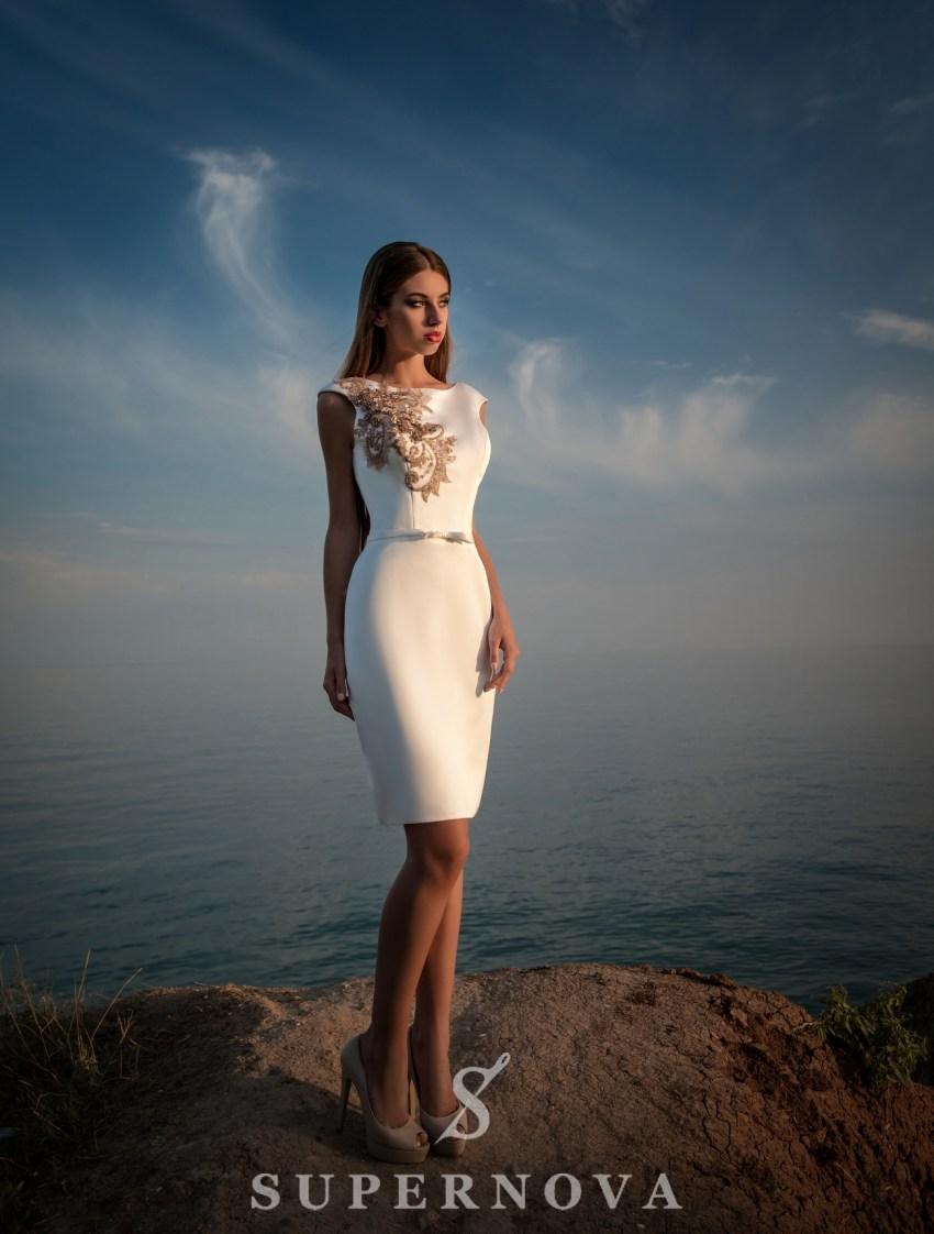 Біла коротка вечірня сукня