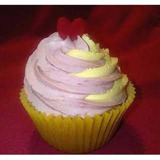 Raspberry-Cream Cake.