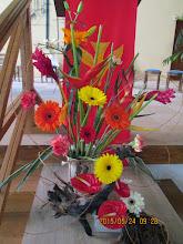 Photo: art floral en l'église Ste Thérèse