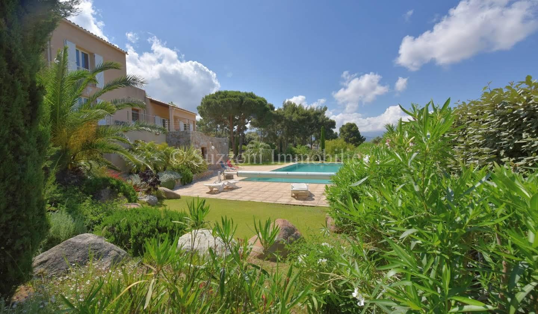 Villa avec piscine et jardin Lumio