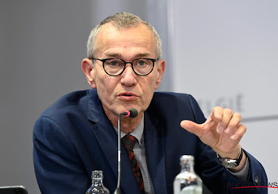 """Minister Vandenbroucke gaat wel heel ver in RSZ-dossier: """"Zouden we voetballers toe moeten verplichten"""""""