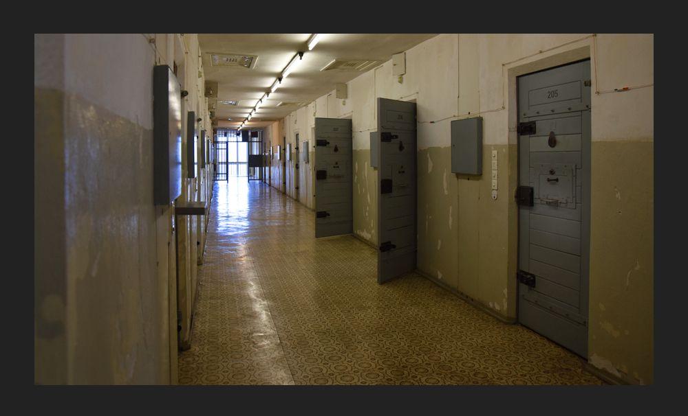 Камеры в тюрьме Хоэншёнхаузен министерства государственной безопасности ГДР, Берлин
