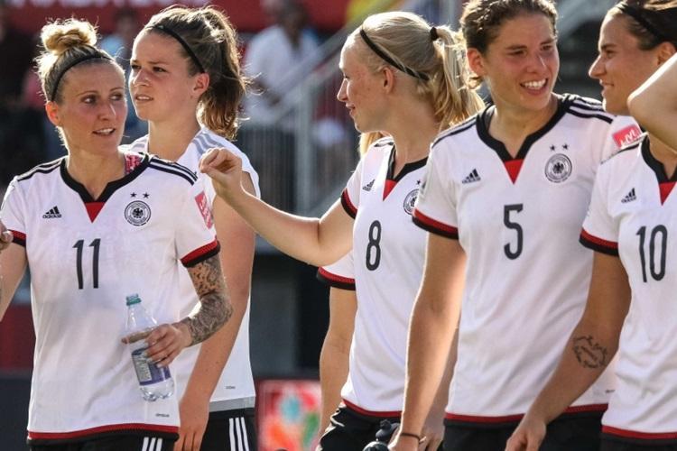 C:\Users\Carla\Desktop\Blog MULHERES EM CAMPO\COPA DO MUNDO FUTEBOL FEMININO\Alemanha na copa de 2015 foto getty images.jpg