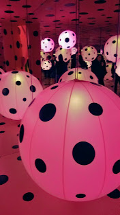 Visiting Yayoi Kusama Infinity Mirrors at Seattle Art Museum - Yayoi Kusama, Dots Obsession — Love Transformed into Dots