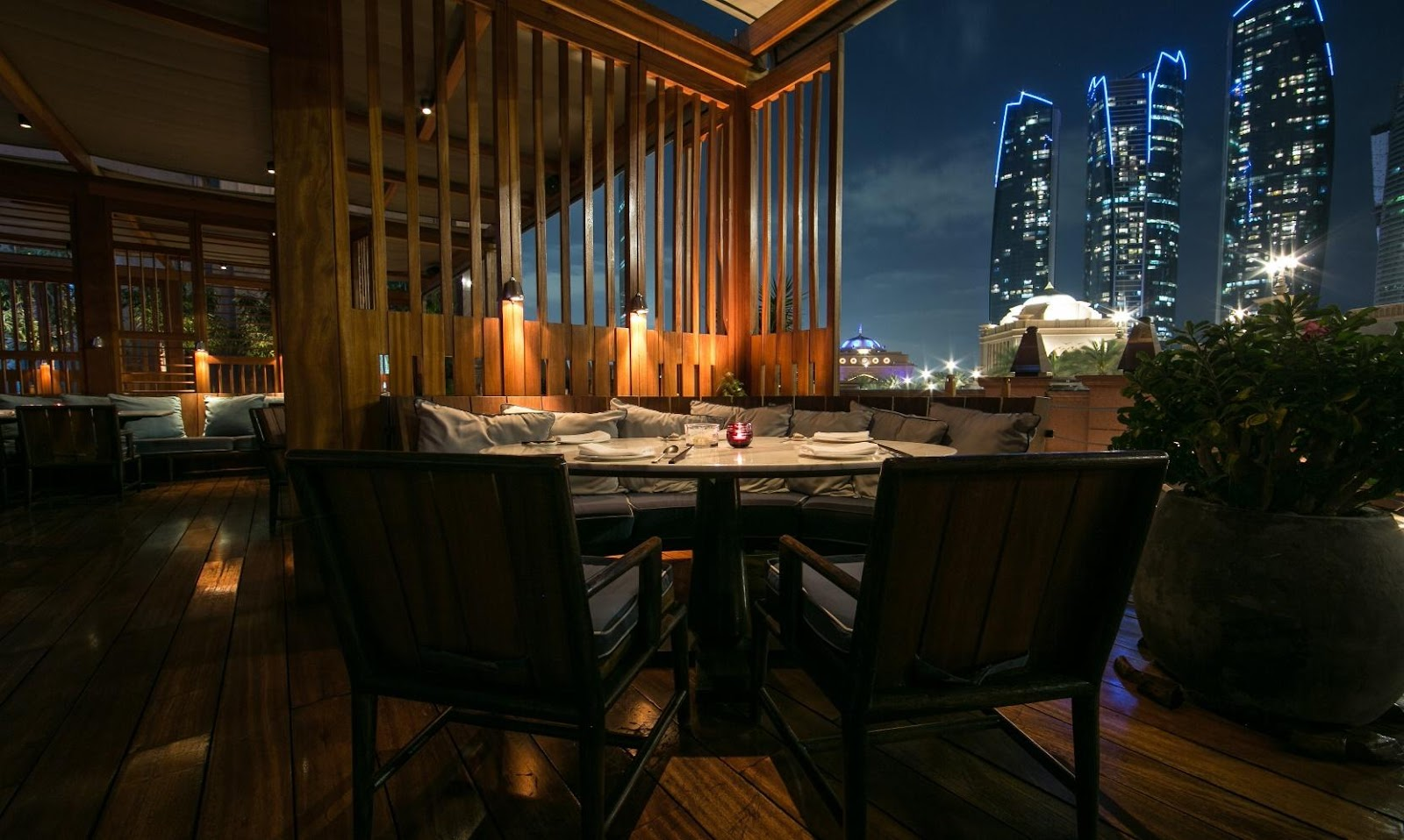 Hakkasan Abu Dhabi, Fine Dining Restaurant and Bar at Emirates Palace