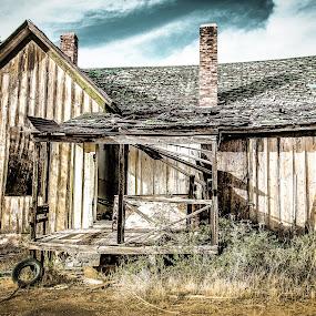 Abandoned house 1 by Jocelyne Maucotel - Buildings & Architecture Decaying & Abandoned ( moab, abandonned, utah, thompson, ruin, ballerine, house, ballerina )