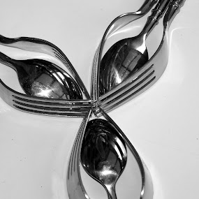 by Irene Edwards - Artistic Objects Cups, Plates & Utensils