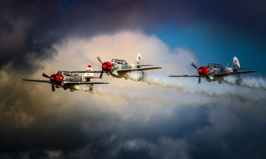 by Ron Meyers - Transportation Airplanes