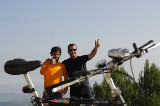 Photo: con el ingeniero Corbalán, de mountainbike this morning, por Burete (ya hacía años). Foto >