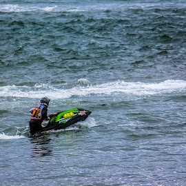 by Joshua Gallagher - Sports & Fitness Watersports